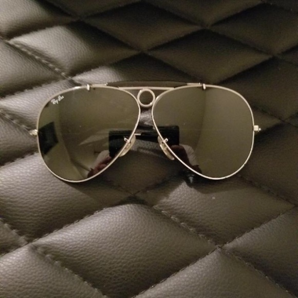 32342d95c2a099 Vintage Bausch   Lomb Ray-Ban Shooter Sunglasses. M 5bfb7b1f7386bcceeeefea84